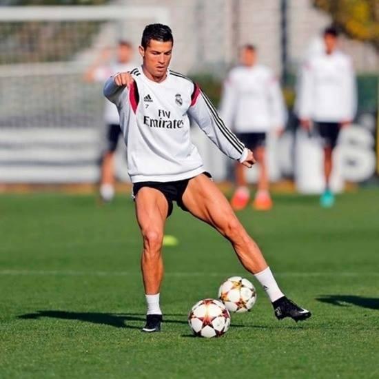 Ronaldo trên sân cỏ