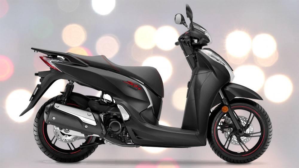 Honda Sh300i màu đen mạnh mẽ