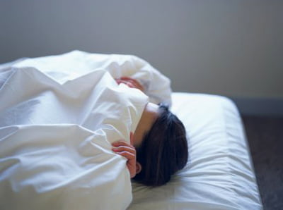 Đắp chăn quá dày sẽ khiến nam giới khó ngủ