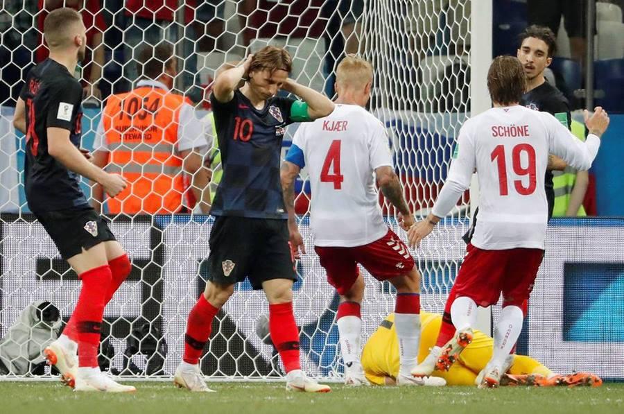 Croatia vs Đan Mạch modric