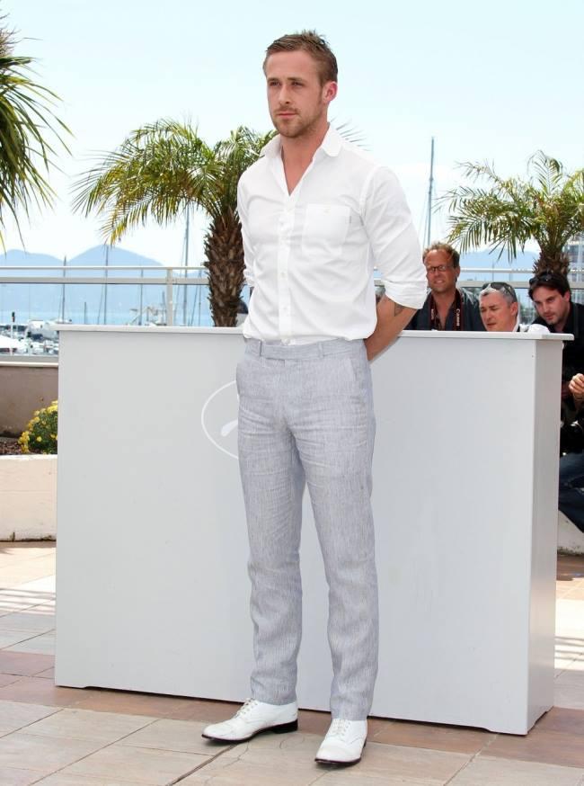 Cách giặt áo sơ mi trắng như mới cho nam giới