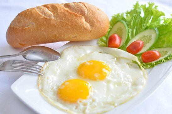 thực phẩm tốt nhất giúp cơ thể khỏe đẹp trứng ốp la