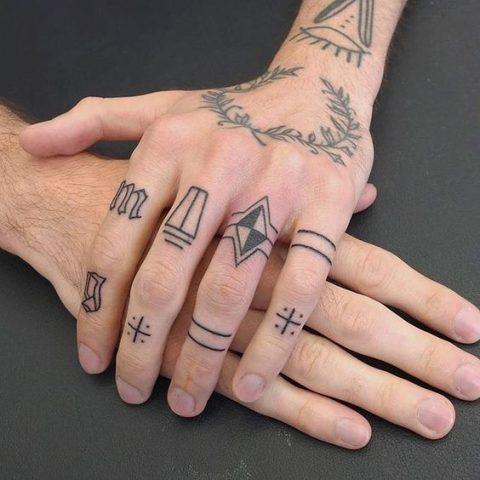 hình xăm trên ngón tay cho nam