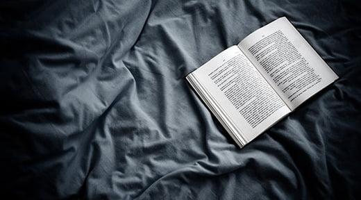 đọc sách trước khi đi ngủ