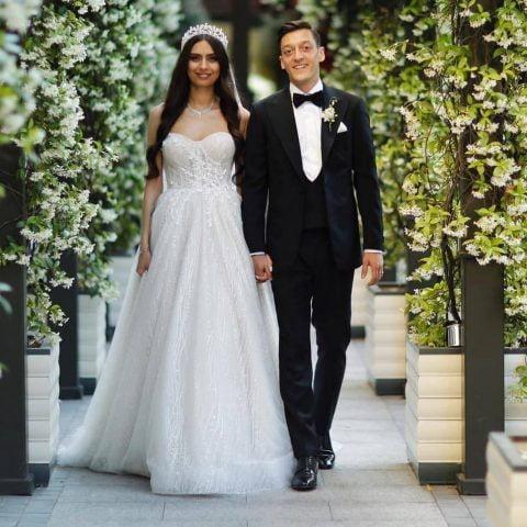 Mesut Ozil kết hôn