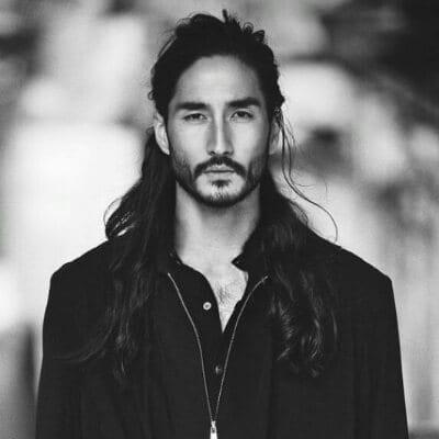 kiểu tóc man bun cho nam giới châu á