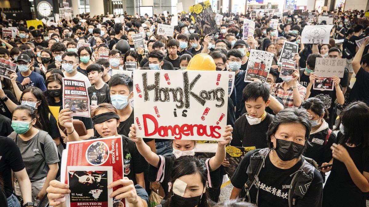 biểu tình leo thang ở Hong Kong