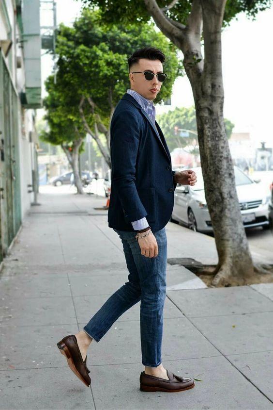 phối quần jeans với giày loafer