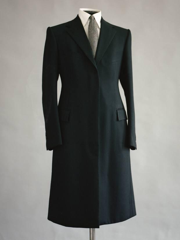 Áo khoác dài của Michael Browne, từ £7.250