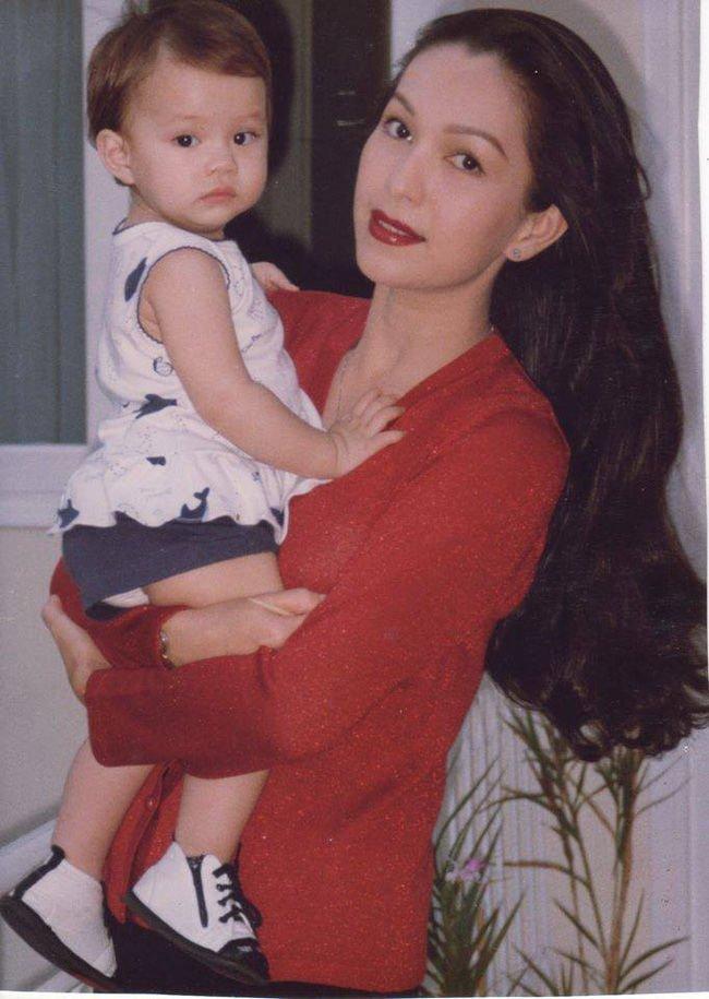 hà thùy my hồi bé và mẹ