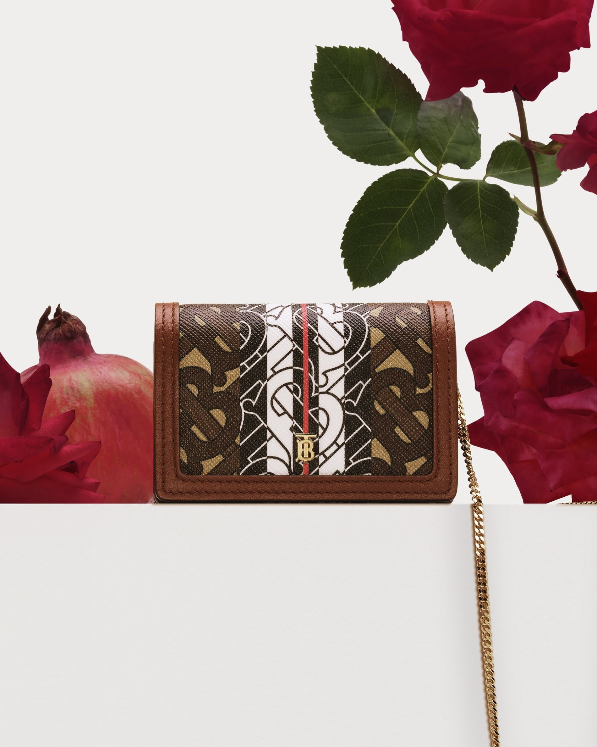 Chiến dịch what is love của Burberry