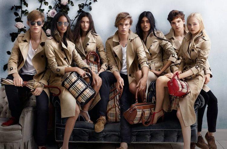 10 món đồ thời trang trở thành biểu tượng vượt thời gian
