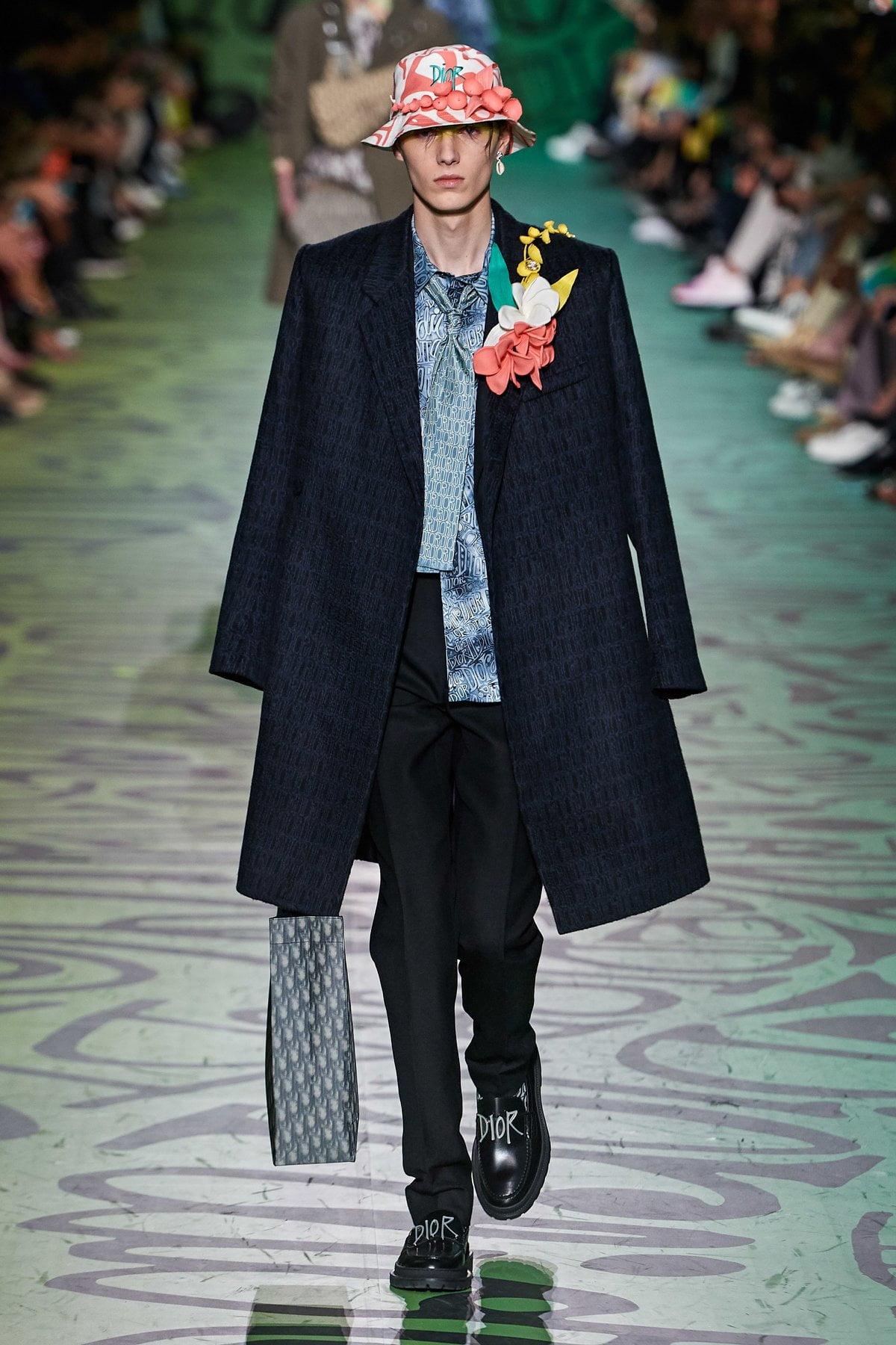 Dior muốn đánh gục cả thế giới với dòng thời trang nam đầy nhục cảm 12