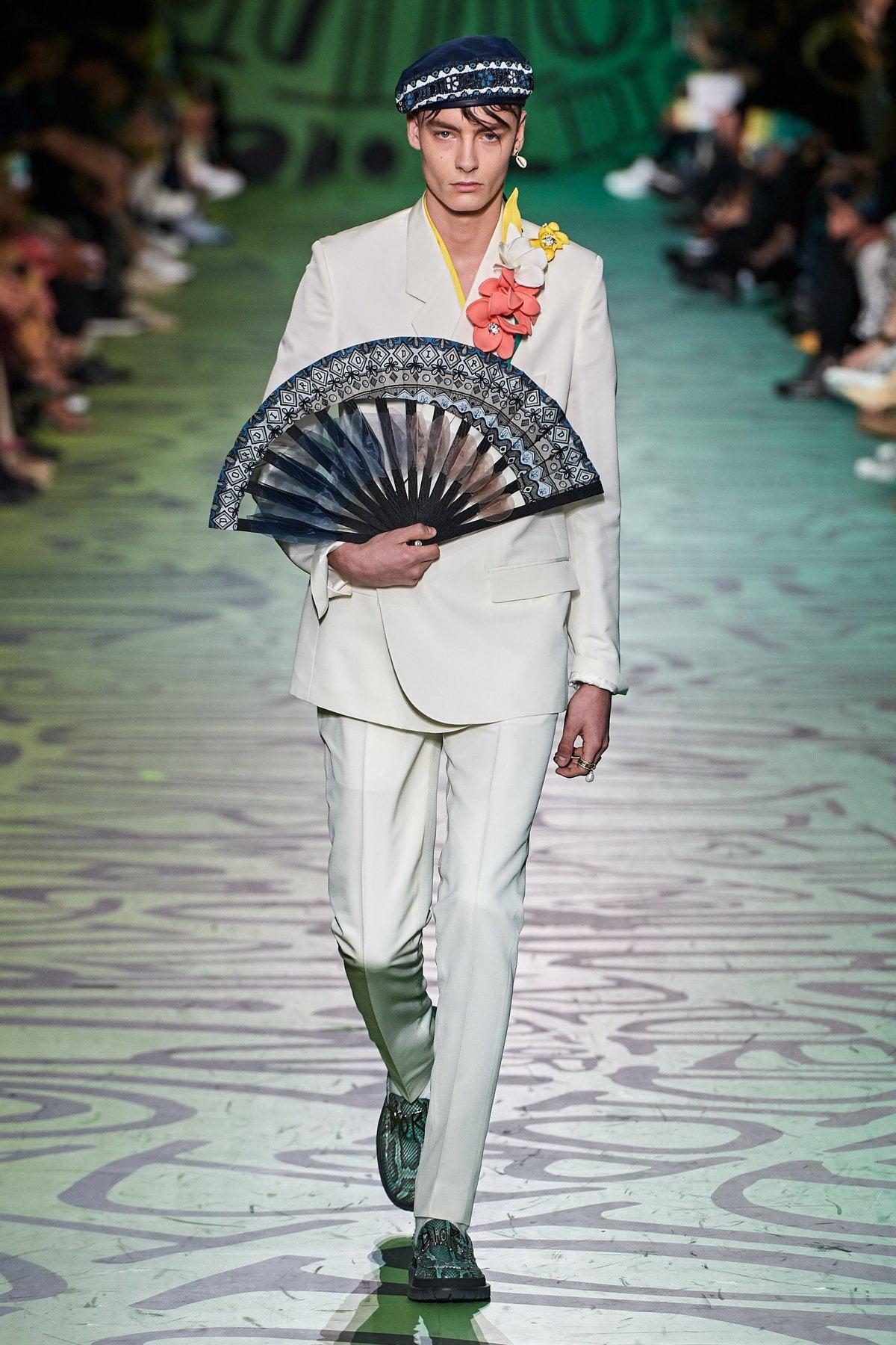 Dior muốn đánh gục cả thế giới với dòng thời trang nam đầy nhục cảm 18
