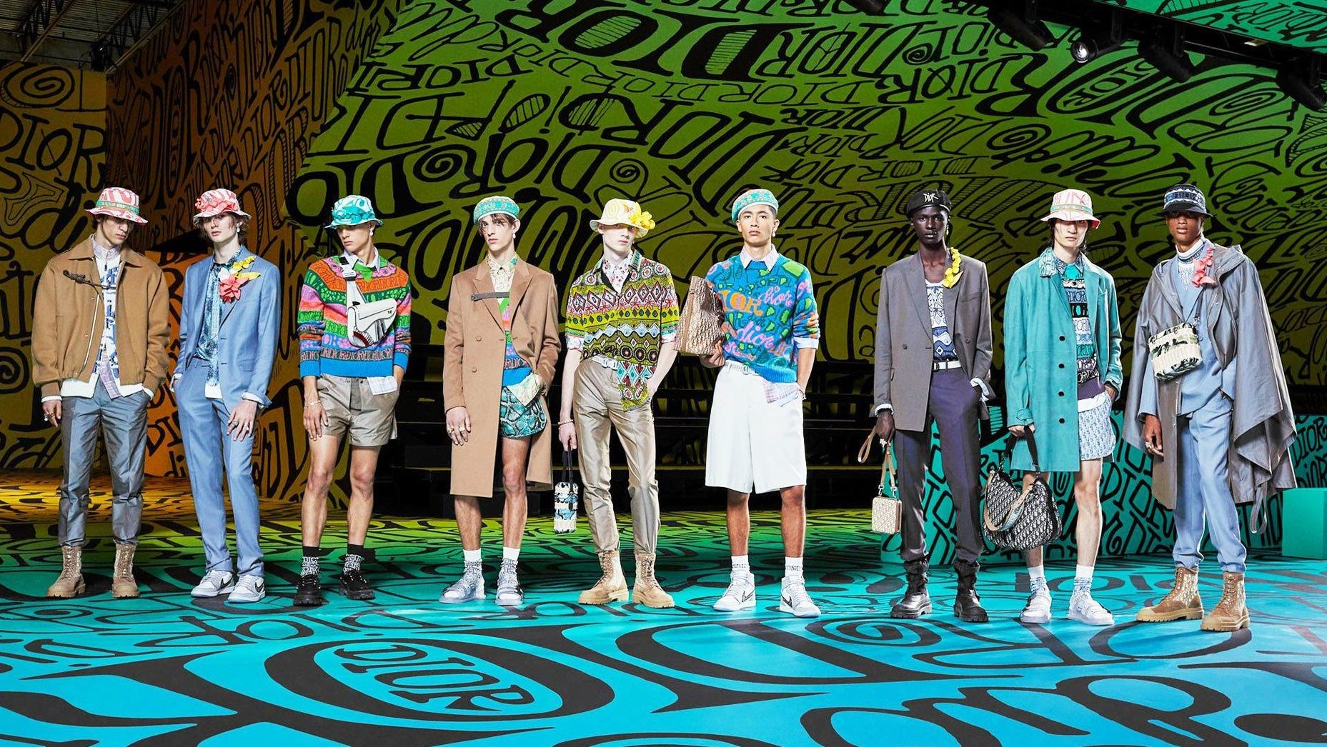 Dior muốn đánh gục cả thế giới với dòng thời trang nam đầy nhục cảm