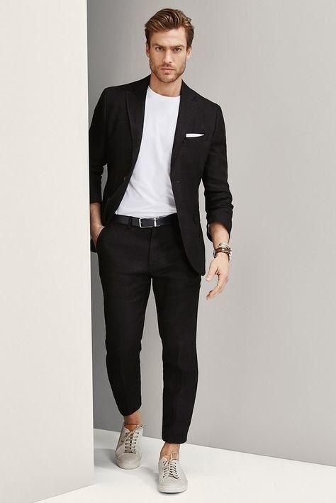 Phối suit với áo phông trắng