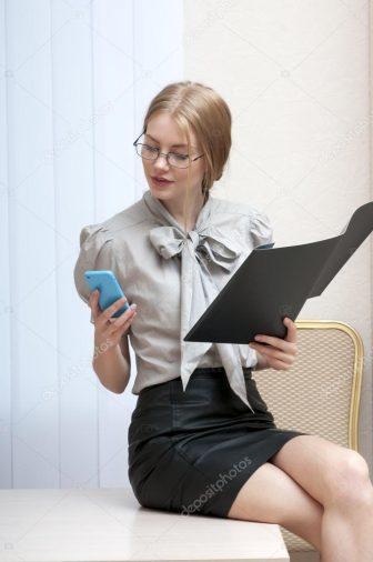 menback trang phục phụ nữ cần tránh mặc đến công sở