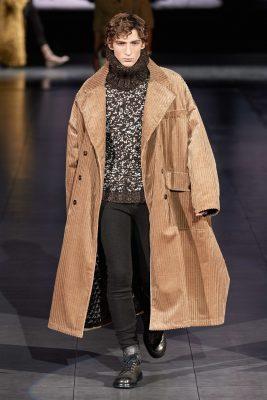 Xu hướng thời trang nam 2020 vải nhung vân nổi