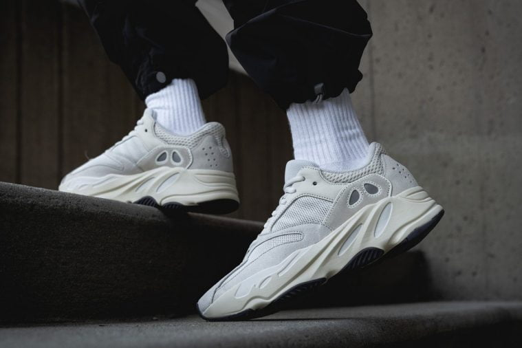 adidas Yeezy Boost 700Analog