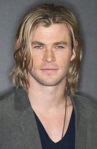 """Kiểu tóc dài hút hồn phái đẹp của """"Thần Sấm"""" Chris Hemsworth"""