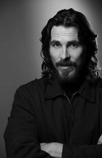 Kiểu tóc dài gợn sóng của Christian Bale