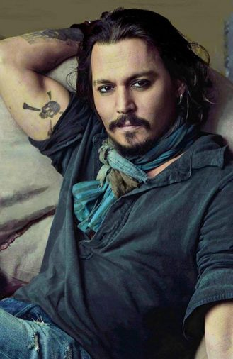 Kiểu tóc dài hoang dã của Johnny Depp