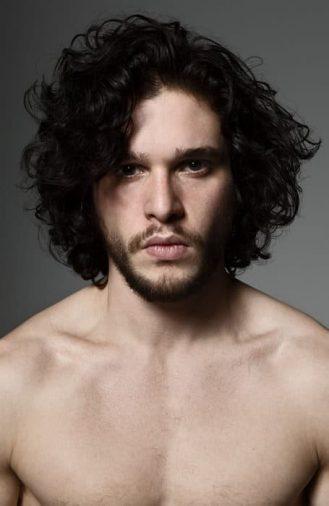 Kiểu tóc nam dài tự nhiên của Kit Harrington