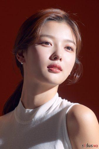 menback_kim_yoo_jung