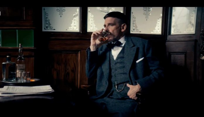 Xem Peaky Blinders, ngấm tinh thần Whisky Anh Quốc