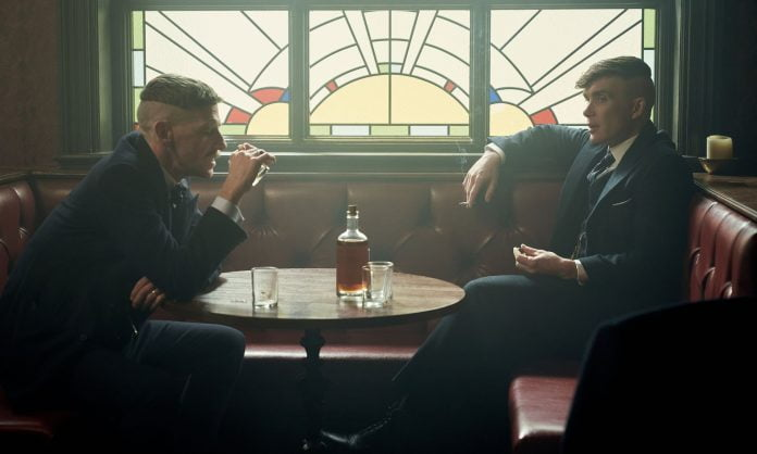 Xem Peaky Blinders ngấm tinh thần Whisky Anh Quốc