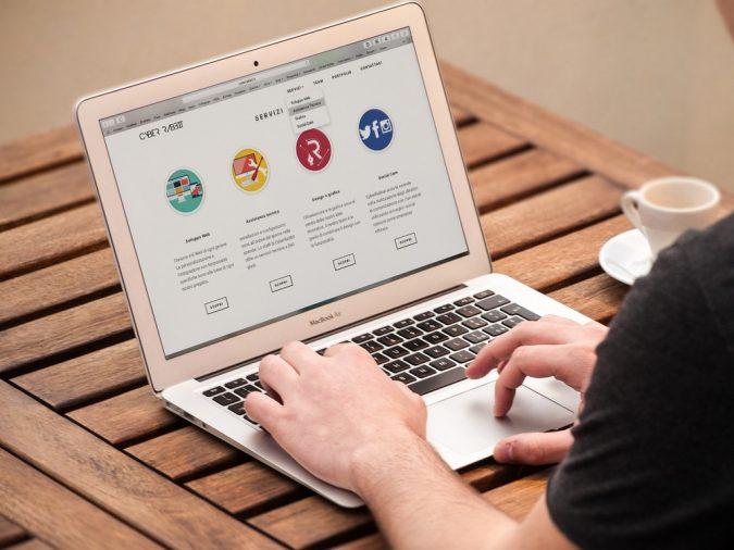 Có nên mua laptop Macbook Air hay không?