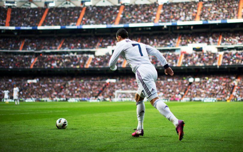 Cristiano Ronaldo va cau chuyen da phat