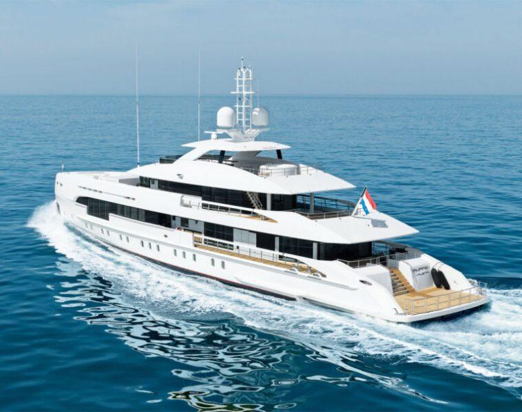 du-thuyen-Heesen-Amare-II-Yacht