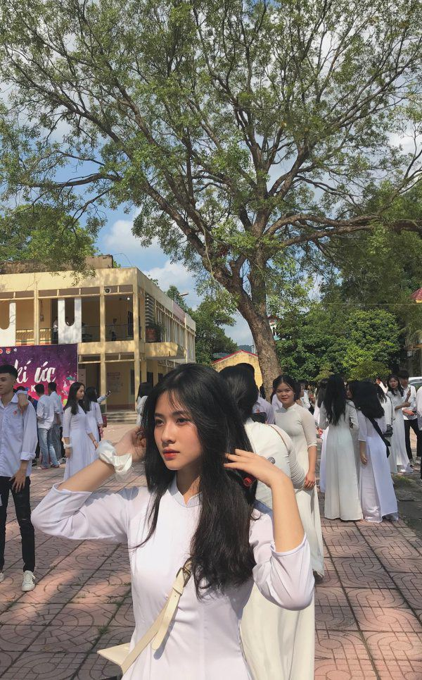 Hot girl Nguyễn Linh Anh