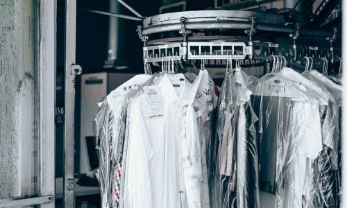 Cách bảo quản quần áo mùa đông