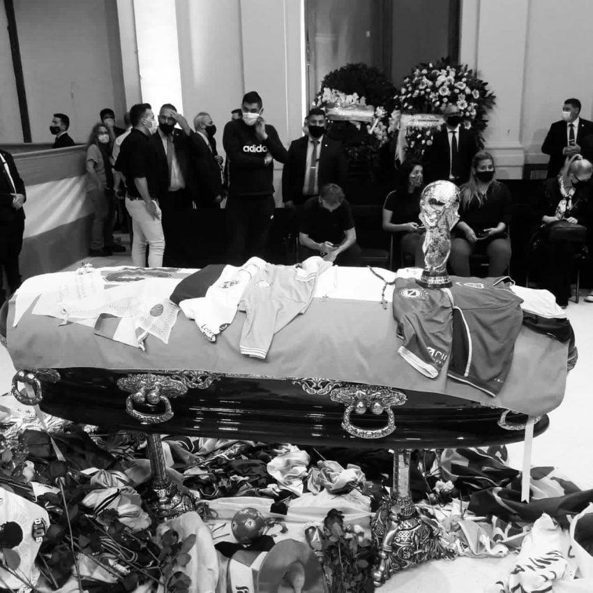 Hình ảnh đám tang Diego Maradona