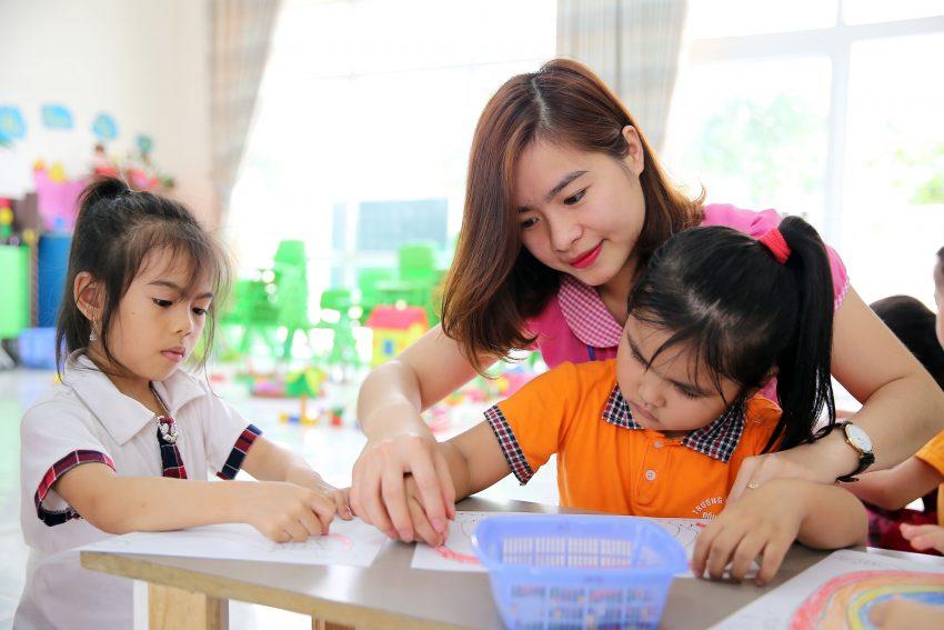 Trẻ Tây học khác gì Trẻ Ta (1)