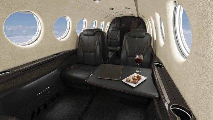 noi that may bay Beechcraft King Air 360