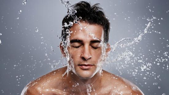 Rửa mặt đúng cách nam giới