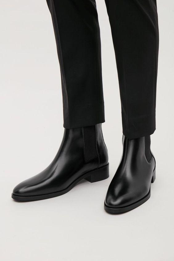 Áo sơ mi trắng + quần tây đen + chelsea boots