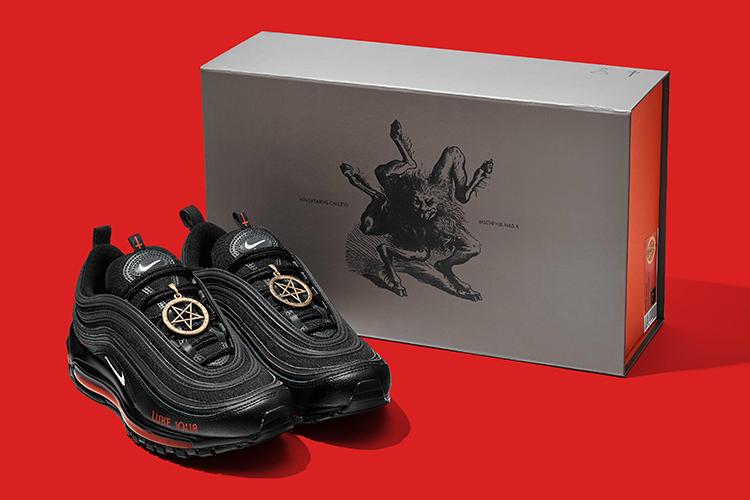 giày quỷ satan