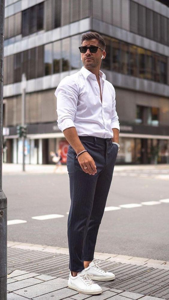 Phối giày với áo sơ mi trắng nam